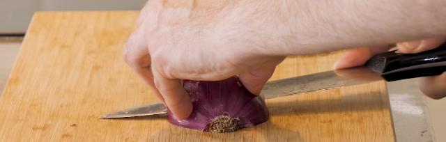 Pro Skills: Onion Cutting….Restaurant Style